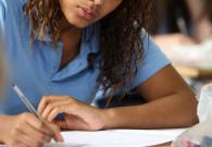 Một phần ba học sinh London không đạt đủ điểm của GCSE