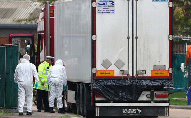 28.06.0bodies found in lorry container 1572055175692307814434 crop 1572055183283823549432